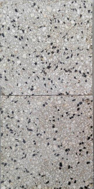 Antiche piastrelle marmittoni in graniglia di marmo e - Piastrelle antiche cemento ...