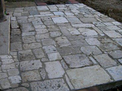 Pavimenti in pietra antica di recupero